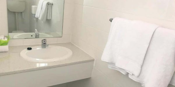Queen Economy Rooms Accommodation - Frewville Motor Inn