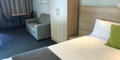 Queen Studio Room Accommodation - Frewville Motor Inn